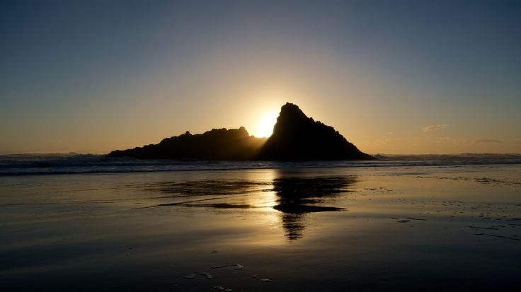 Sunset Karekare Beach, Auckland, NZ