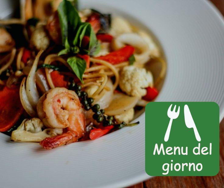 Lasagnette ai funghi o Tortino di salmone? Magari un piatto vegano? Scegli dal nostro menu del giorno http://bit.ly/1TZrgsP