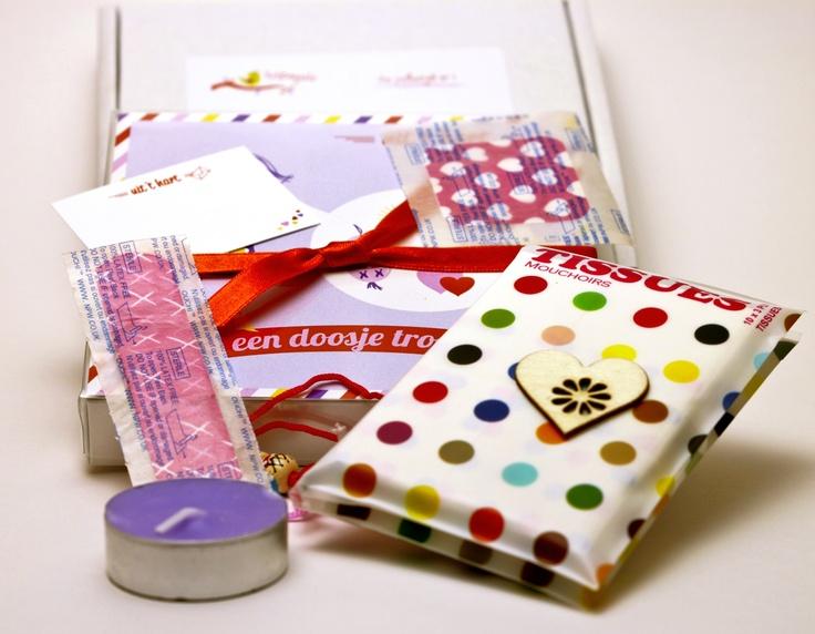 Een doosje troost - Uit het hart  Iemand verdrietig? Verras hem met dit mooie postpakketje uit jouw hart.     Mail package, gift, cadeau, post