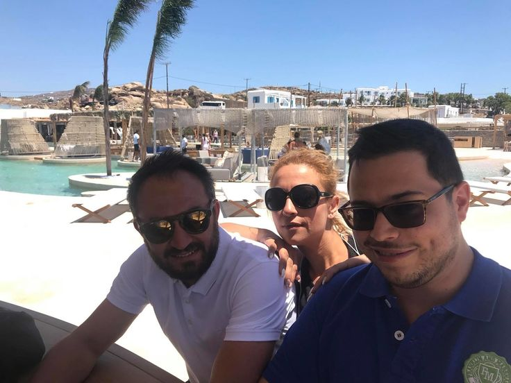 #santannamykonos #twinsoftathens IT/POS Dream team  feeling fabulous with Jon Eleftheriou Dimitris Banas and Stavroula Kaparakou at SantAnna Mykonos.