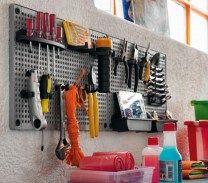 Plus | Griglia porta attrezzi in polipropilene per mantenere il tuo garage sempre in ordine.  #attrezzi #utensili #garage #officina #parete #tools