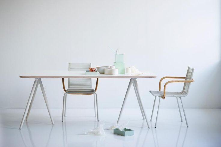 TURN Cane-line nowoczesny stół