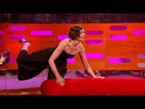 The Graham Norton Show S16E06 Matthew McConaughey, Anne Hathaway, Lena D...
