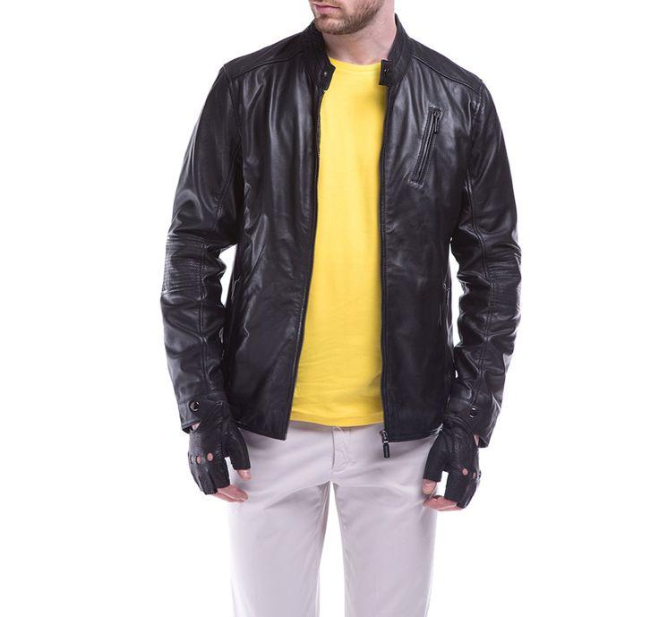 Czarna kurtka skórzana WITTCHEN z modnymi przeszyciami.
