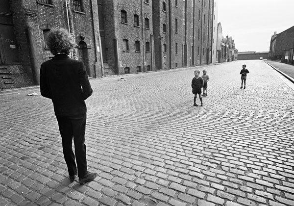Foto por Barry Feinstein, Bob Dylan, Liverpool, England, 1966.