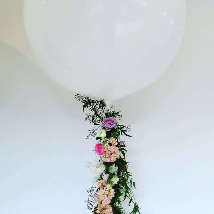Fresh flower balloon tassels | By Flower Jar