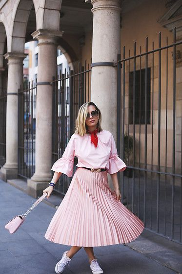 Get this look: http://lb.nu/look/8650913  More looks by My Showroom Priscila: http://lb.nu/myshowroomblog  Items in this look:  Pull & Bear Skirt, Converse Sneakers, Zara Top, Louis Vuitton Bag   #chic #preppy #romantic