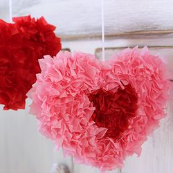 Corazones con papel seda en cuadritos. Maravilloso y hasta para decorar una…
