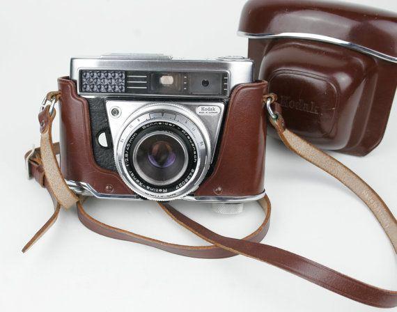Vintage Kodak Retina IIF Camera with Case and por MochasCorner