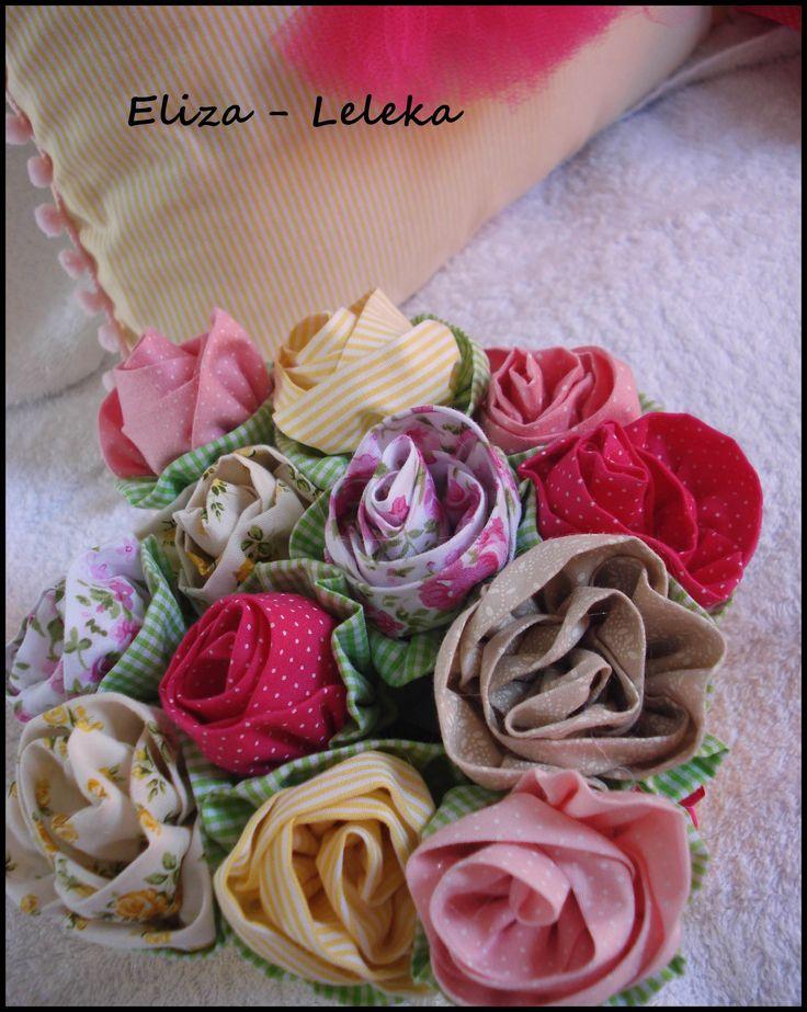 flores (com vaso em mdf) peça que compõem o kit da ursinha lulu (vendo separadamente)  - à pronta entrega http://www.elo7.com.br/vaso-em-mdf-com-flores/dp/3F0799