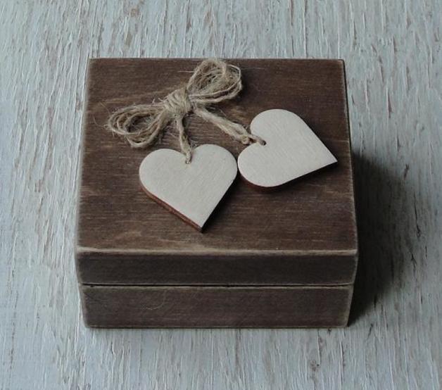 Box für eheringe.Ehering schatulle. Ringschachtel aus Holz im rustic ...