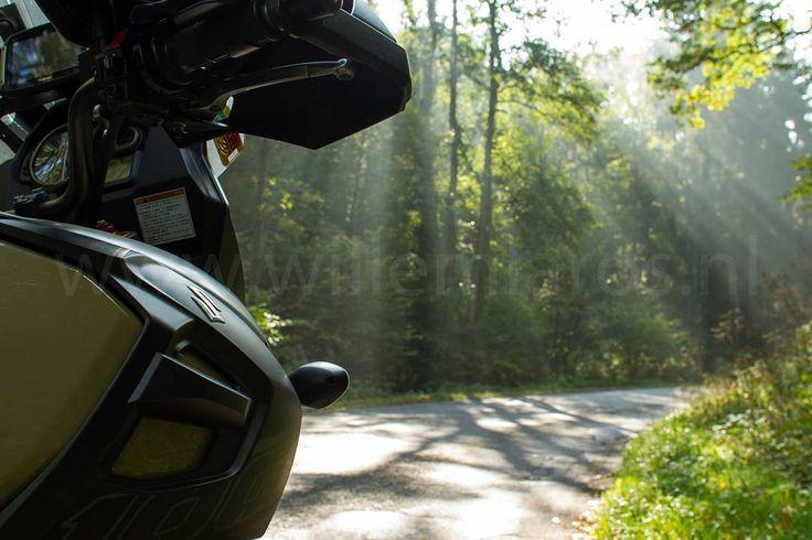 Straks (..) weer lekker toeren door Europa. Wat mis ik dat toch in de winter! #photography #travelphotography #traveller #canon #canonnederland #canon_photos #fotocursus #fotoreis #travelblog #reizen #reisjournalist #travelwriter#fotoworkshop #willemlaros.nl #reisfotografie #landschapsfotografie #moto73 #motor #suzuki #v-strom #MySuzuki #motorbike #motorfiets