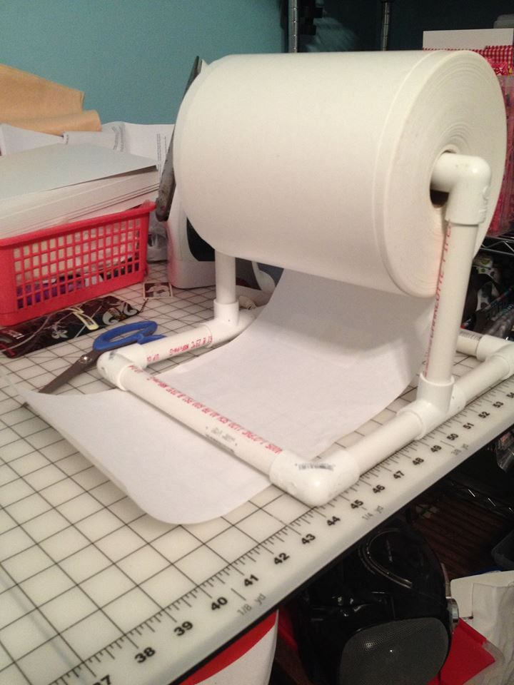 stabilizer stand ... what amazing idea. Thinking it might also work for rolls of paper used to draft patterns on.