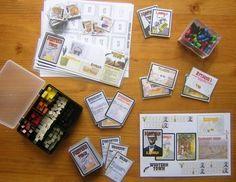 Pourquoi ne pas profiter des jeux de société à imprimer disponibles gratuitement sur internet! Ce site en recense plusieurs.