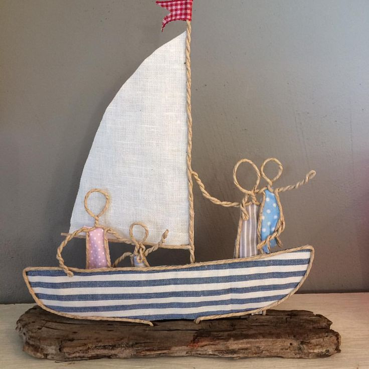 "18 Likes, 1 Comments - Küstenleder Sabine Hoffmann (@kuestenleder_shop) on Instagram: ""#papierdraht#drahtfiguren#kleinefamilie#segelboot#meer#schiffahoi"""