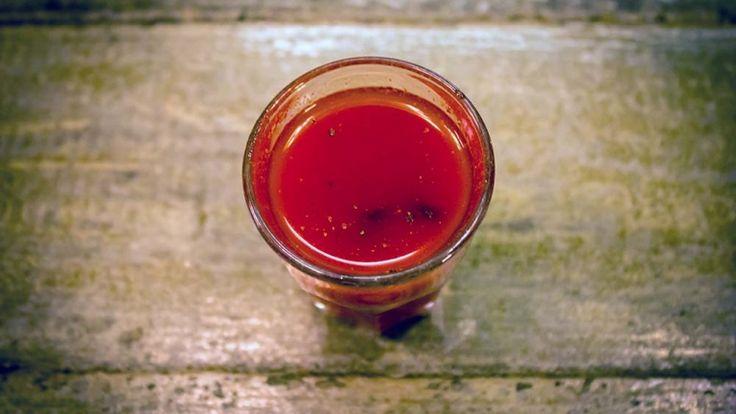Shottini ricette, shottino di Bloody Mary con ostrica, vodka e ostriche