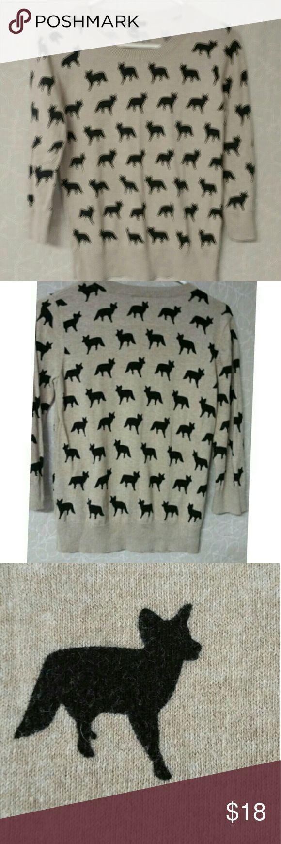 Forever 21 3/4 sleeve light weight sweater Cute Forever 21 sweater, light weight, with 3/4 sleeve, fox print Sweaters Crew & Scoop Necks