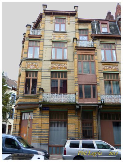 Architecture in Brussels Gustave Strauven Immeuble commercial et de rapport de style Art Nouveau, 1905 rue Peter Benoit, 2-4 chaussée de Wavre, 517-519 1040 Etterbeek