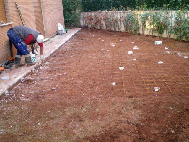 Massetto per esterno stesura rete e grappe pavimenti a - Massetto tradizionale ...