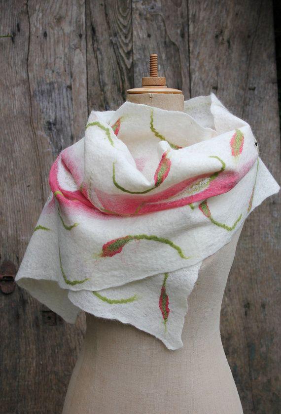 nuno felted scarf by Ishild