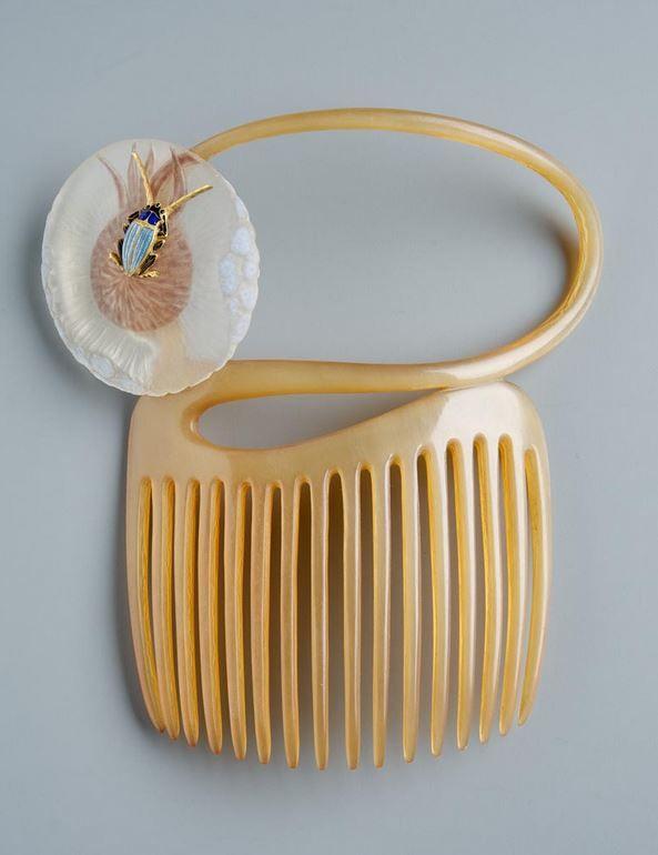René Lalique, Comb, 1898. Gold, corroded glass, horn. Paris. |  Museum of Applied Arts, Budapest