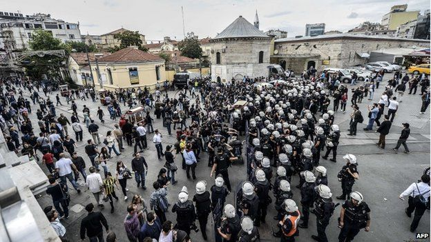 Riot police in Taksim Square (31 May 2014)
