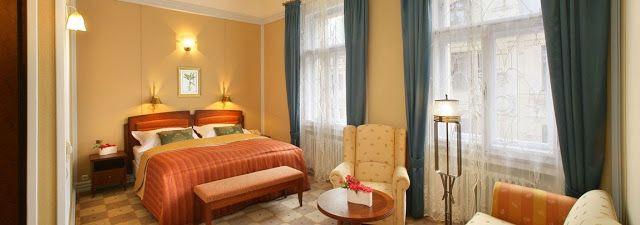 Decoration Salon Bleu Et Gris :  chambre dhôtel #chambre #peinture #couleurchambre #chambrea