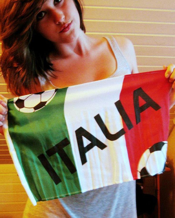 La Festa del Tricolore, ufficialmente Giornata Nazionale della Bandiera, è una giornata nazionale italiana, istituita per celebrare la bandiera nazionale. Si festeggia ogni anno il 7 gennaio, principalmente a Reggio nell'Emilia e Striano.