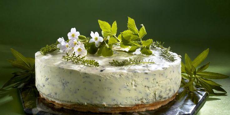Näyttäv Hortajuustokakku saa makunsa luonnonantimista #horta