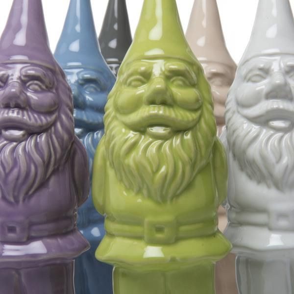 We were really tired of seeing the design injustice that has been inflicted on the poor garden gnome of late (biker gnomes, evil gnomes, zombie gnomes, perverte