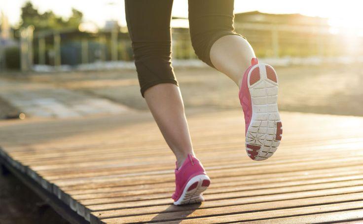 Stundenlanger Dauerlauf? Kannst du knicken! Eine neue Studie zeigt, dass bereits kurzes Joggen reicht, damit wir gesund und fit bleiben.