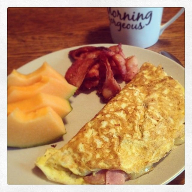 Love love love Saturday morning brunch. #eggs #cdnbacon #cheese #fruit #cdncheese #simplepleasures