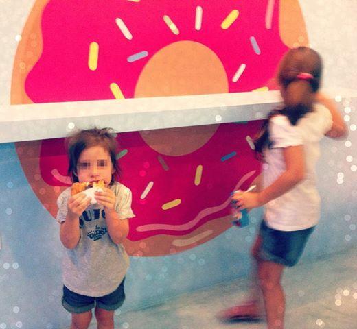 Μας αρέσει να βλέπουμε τα πρόσωπα των μικρών μας φίλων να χαμογελούν, για αυτό τους προσφέρουμε την αγαπημένη τους λιχουδιά, τα California Donuts! I donut want anything else!