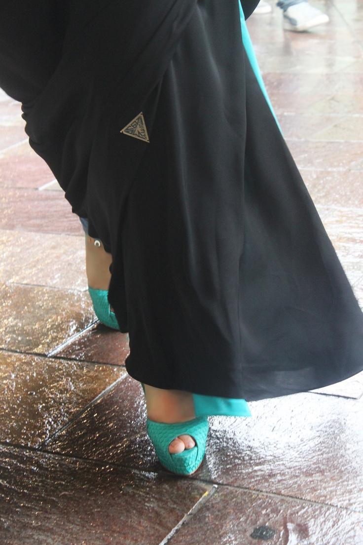 arab hijab showing sexy feet-sex photo