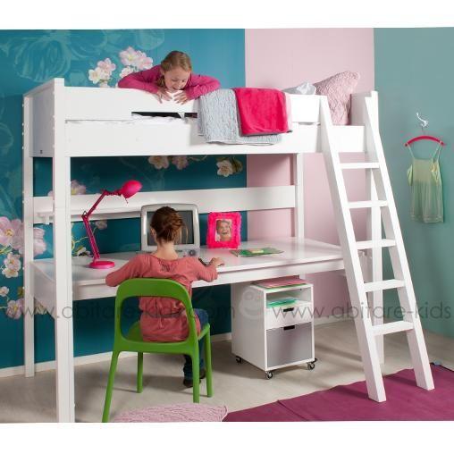 COMBIFLEX de la marque Bopita est une gamme évolutive qui permet aux enfants de transformer un lit mezzanine en lit bas ou mi-hauteur grâce aux kit de transformation.  Ce lit mezzanine dispose d'un plateau de bureau et d'une échelle inclinée.