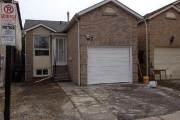 Det W/Com Elements - 3+1 bedroom(s) - Toronto - $339,000