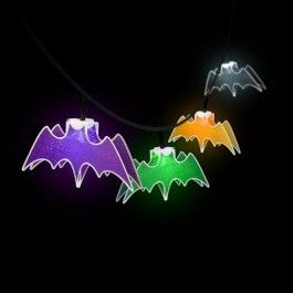 String of 3D bat lights in assorted colours to hang around your haunted house to create the perfect creepy atmosphere at your halloween party! Requires 2 x AA batteries (not included). This is a halloween decoration, not a toy. Please keep away from children.