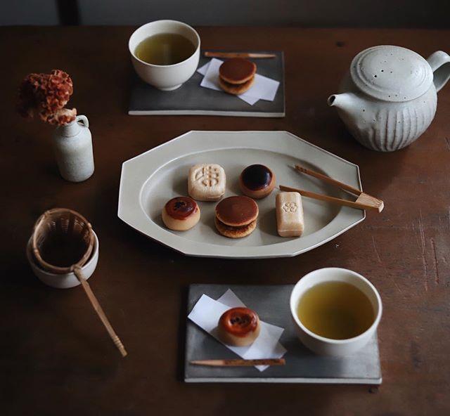 私に還るカフェ時間 インテリアに合わせて珈琲やお茶の道具を選ぶ楽しみ Folk 和菓子 カフェ ティーケーキ 和食のデザート