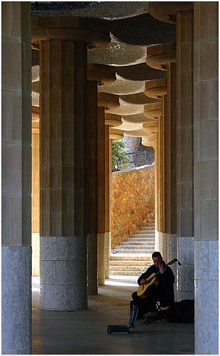ART- music: barcelona music parc guell