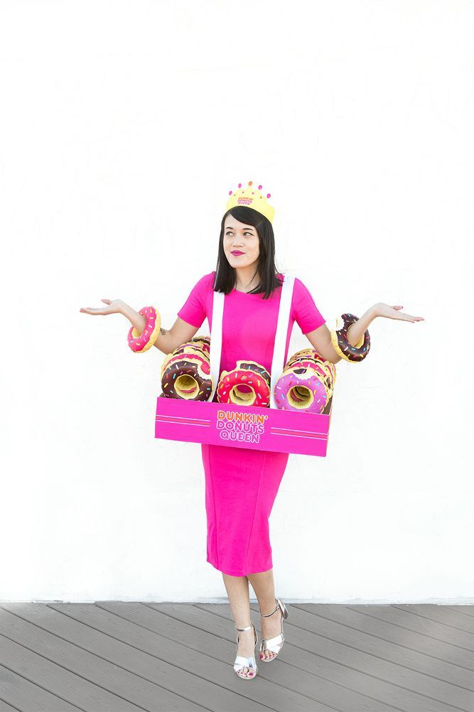 We know what you are thinking. Halloween is just two weeks away…what am I going to dress up as? Well lucky for you we teamed up with Aww, Sam to bring you an easy, DIY Donut King and Queen Halloween costume!