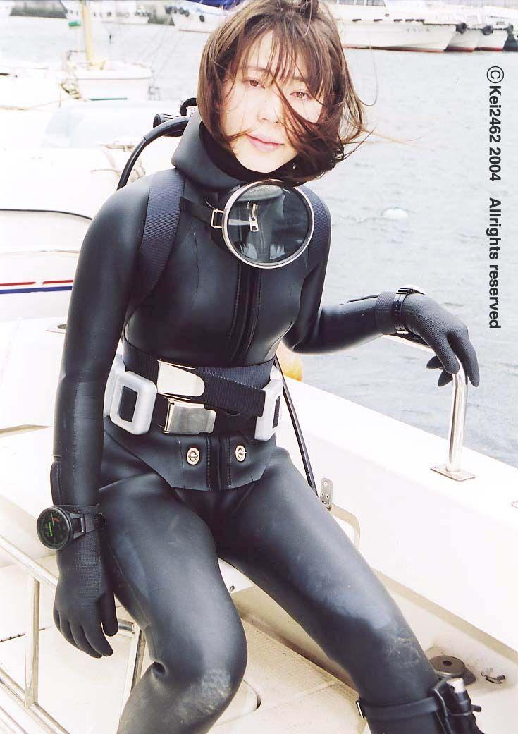 Underwater vintage woman