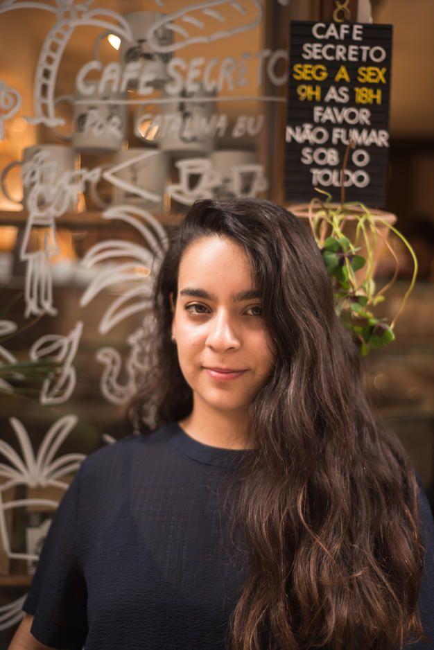 A maravilhosa Catalina Bu e sua intervenção artística no Café Secreto (RJ)   Fotografia: Pedriná Henning