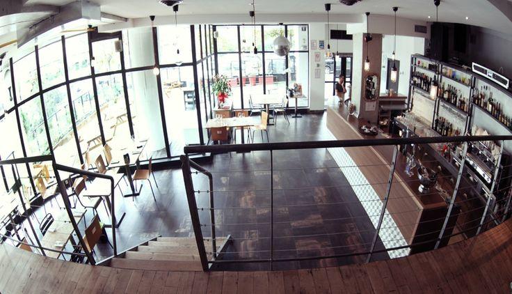 Resto Urban Kitchen - 23 rue de Corinthe - Marseille 6ème - 09 83 72 01 66 - Ouvert 7j/7 avec restauration non stop de 11h30 à 23h30. 120 couverts intérieur, 80 en terrasse - Brunch 22 € - Petits plats 6 à 8 € Grands plats 15 à 22 €