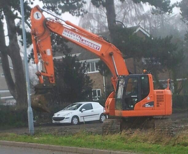 trackex excavator, wymondham, norfolk 2014 (photo by Claire Scarrott)