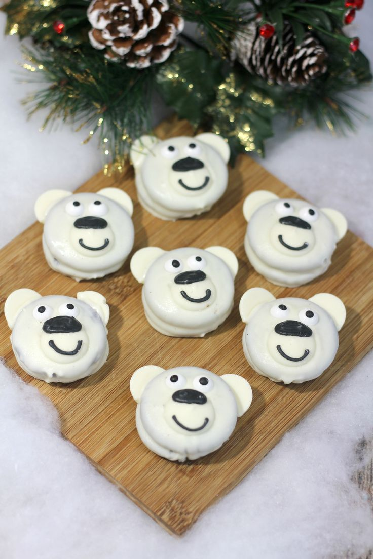 Norm of the North Polar Bear Oreo Cookies