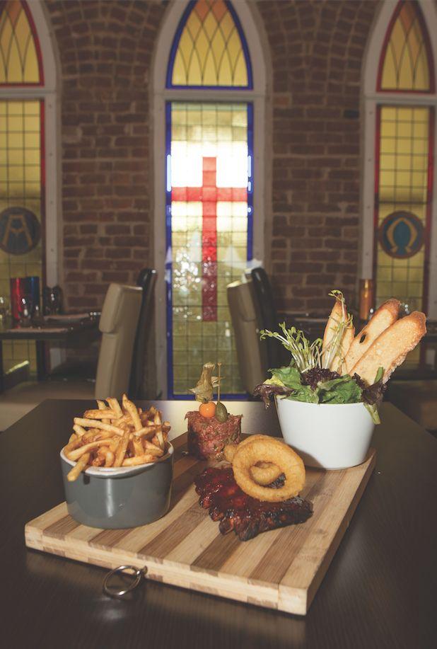 Le Combo des Carnivores, La Chapelle Pub & Grill
