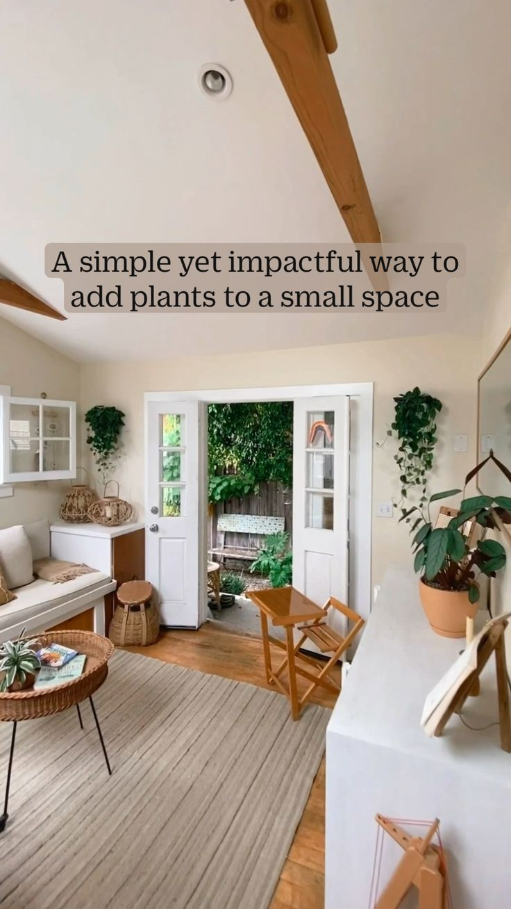 Hanging Plants, Indoor Plants, Interior Garden, Interior Design, Floating Bookshelves, Small Space Solutions, Farmhouse Remodel, Spring Home Decor, Aesthetic Rooms