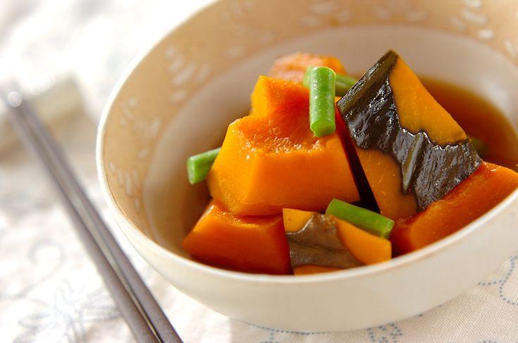 サヤインゲンの緑が鮮やか。定番のおかずです。カボチャの煮物[和食/煮もの]2009.01.12公開のレシピです。