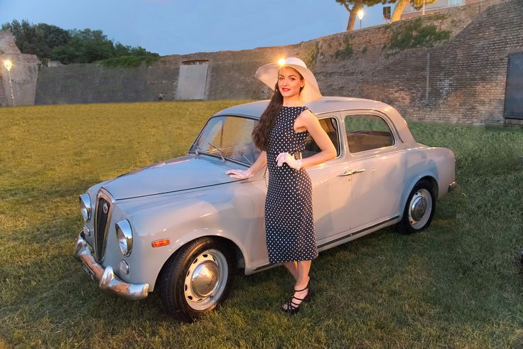 Descrizione: Italianissima 2016, una rassegna di auto italiane e abiti vintage. (Nikkor AF-S 24-120 F/4 ED VR) Buona giornata a tutti   LANCIA APPIA 1961