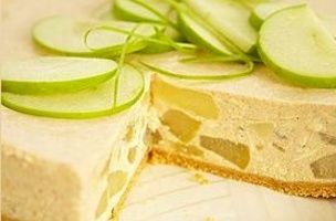 Apple and Cinnamon Cheesecake